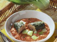 Paksoi-Rouladen mit Fleischfüllung und Tomatensoße Rezept