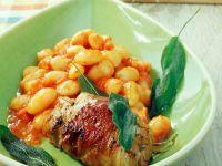 Palbohnen in Tomatensauce mit Kalbsröllchen Rezept