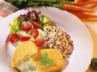 Panierte Gemüsebratlinge mit Reis und Sauce Rezept