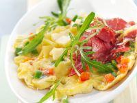 Paprika-Käse-Omelett mit Salami Rezept