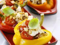 Paprika mit Reis-Feta-Füllung