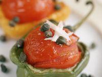 Paprika mit Tomaten-Käse-Fülllung Rezept