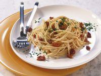 Pasta mit eingelegten Tomaten