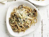Pasta mit großen Champignons und Parmesan Rezept