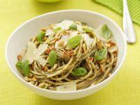 Pasta mit grünem Pesto Rezept