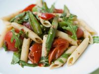 Pasta mit grünem Spargel und Tomaten Rezept