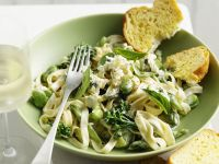 Pasta mit grüner Gemüsesoße
