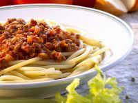 Pasta mit Hackfleischsoße (Bolognese) Rezept