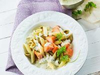 Pasta mit Lachs und Kräutersahnesoße Rezept
