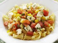 Pasta mit Paprika, Tomaten und Schafskäse Rezept