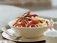 Pasta mit Paprika und pikanter Wurst (Chorizo) Rezept