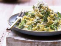 Pasta mit sahnigem Brokkoli-Pesto Rezept