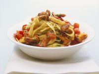 Pasta mit Tomaten und Pfifferlingen Rezept