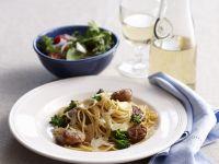 Pasta mit Würstchen, Fenchel und Parmesan Rezept