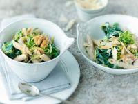 Pasta mit Zucchini, Spinat und Walnuss Rezept