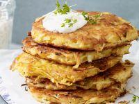 Pastinakenpuffer mit Kräuter-Dip Rezept
