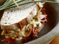 Pausenbrot mit Radicchio-Geflügelsalat Rezept