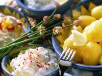 Pellkartoffeln mit dreierlei Quark und Butter Rezept
