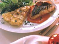 Petersfischfilet mit Paprikasauce und Kartoffel-Artischocken-Gratin Rezept