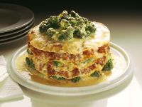 Pfannkuchen-Lasagne mit Hackfleisch und Brokkoli Rezept