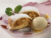 Pfannkuchen mit Apfelfüllung Rezept
