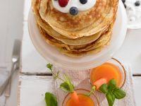 Pfannkuchen mit Beeren und Joghurt Rezept