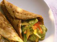 Pfannkuchen mit Paprika und Avocadopüree Rezept