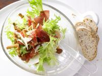 Pfifferling-Frisée-Salat