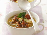 Pfifferlings-Kartoffel-Suppe mit Thymian