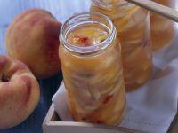 Pfirsich-Mandel-Marmelade mit Amaretto Rezept