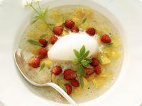 Pfirsichsuppe mit Sekt und wilden Erdbeeren Rezept