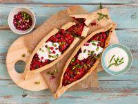 Pide mit Auberginen-Paprika-Füllung Rezept