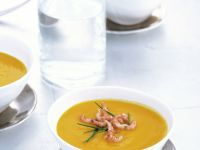 Pikante Kürbissuppe mit Krabbenfleisch Rezept