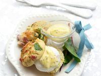 Pikante Muffins mit Ei Rezept