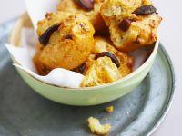 Pikante Muffins mit Oliven und Chorizo