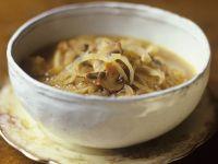 Pilz-Zwiebel-Suppe Rezept
