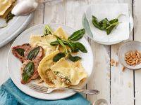 Pinienkern-Ravioli mit Kalbsschnitzel Rezept