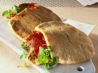 Pitabrot mit Schweinefleisch und Paprika gefüllt Rezept
