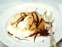Pochierte Birnen mit Eis Rezept