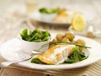 Pochierter Lachs auf Gemüse