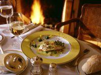 Pochiertes Zanderfilet mit feinem Gemüse und Vanille-Butter Rezept