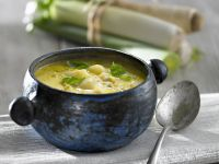 Porree-Suppe mit Basilikum Rezept