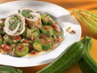 Putenrouladen mit Spinatfüllung und Zucchinigemüse Rezept