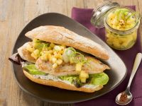 Putensandwiches mit fruchtigem Kartoffelsalat Rezept