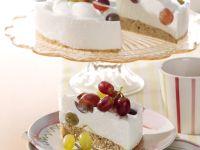Quark-Nuss-Torte mit Weintrauben Rezept