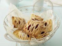 Quarktaschen mit Kirschen Rezept