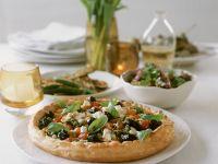 Quiche mit Ricotta, Oliven, Cocktailtomaten und Basilikum Rezept