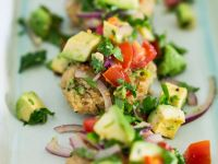 Quinoabratlinge mit Salsa Rezept