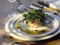 Räucherlachs mit Salat und Salsa Rezept