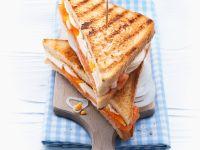 Räucherlachs-Toast mit Ei Rezept